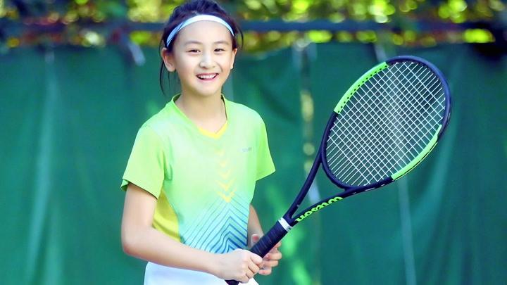 田亮晒女儿健身视频,12岁身高已经将近170,森碟腿部线条太吸睛