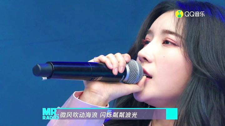 戴燕妮動情演唱《走過的時光》,柔美歌聲直抵人心