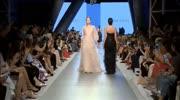 简单的设计,薄纱的面料,时尚又前卫